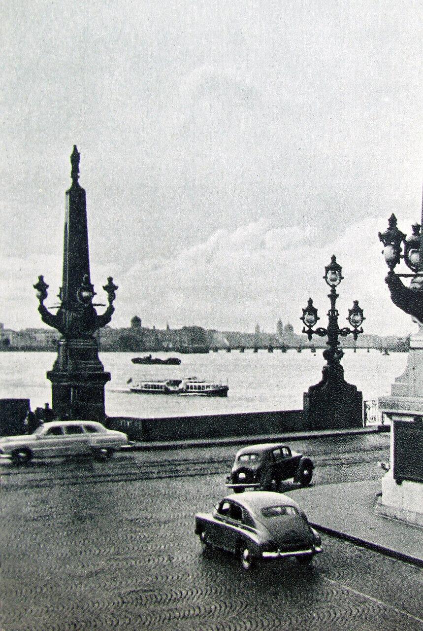 Вид на Неву. 1950-ые годы