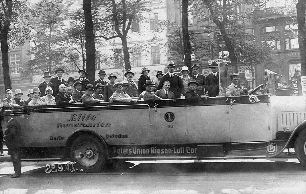 1923. Берлин, экскурсионный автобус компании Омнибус