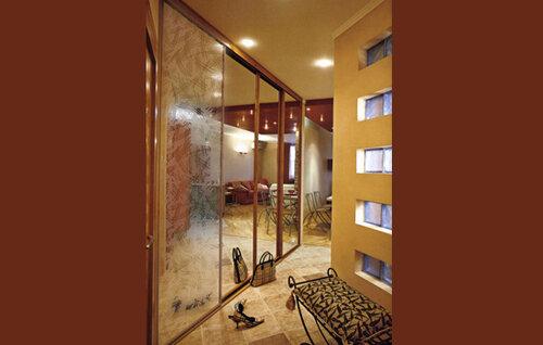 Как смягчить зеркальный интерьер?