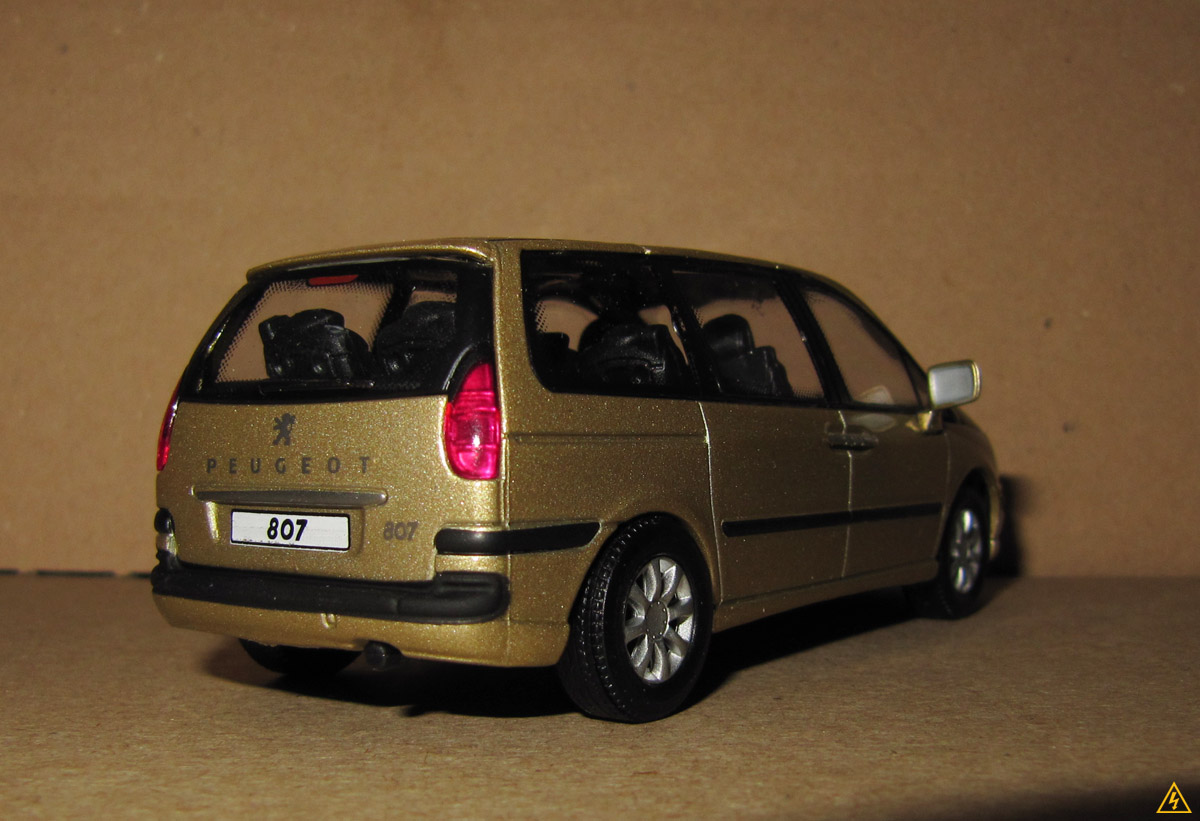 Peugeot 807 4.jpg