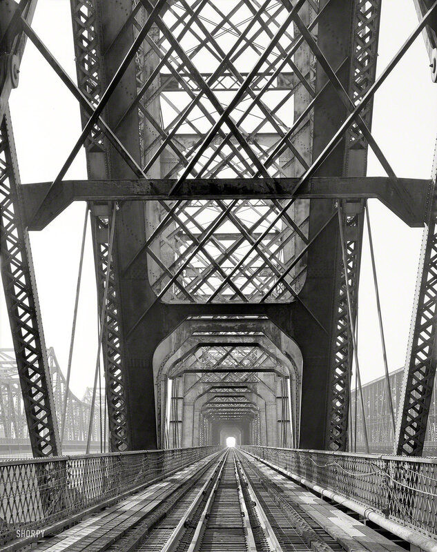 1895. Memphis Bridge spanning Mississippi River between Memphis, Tennessee, and West Memphis, Arkansas. Cantilever span detail, view to southwest