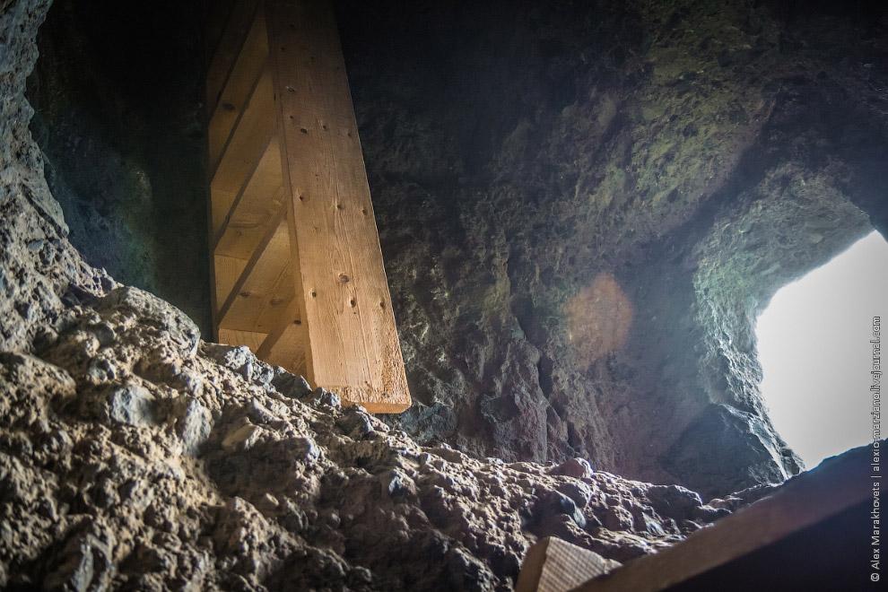 8. Вы должны быть готовы к неогороженным балконам на высоте в несколько десятков метров, к каменным