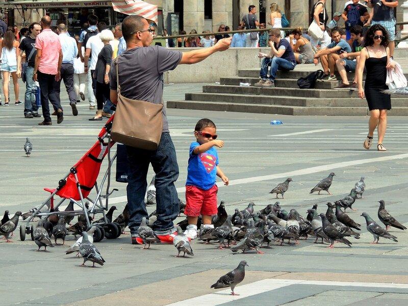 На Соборной площади Милана