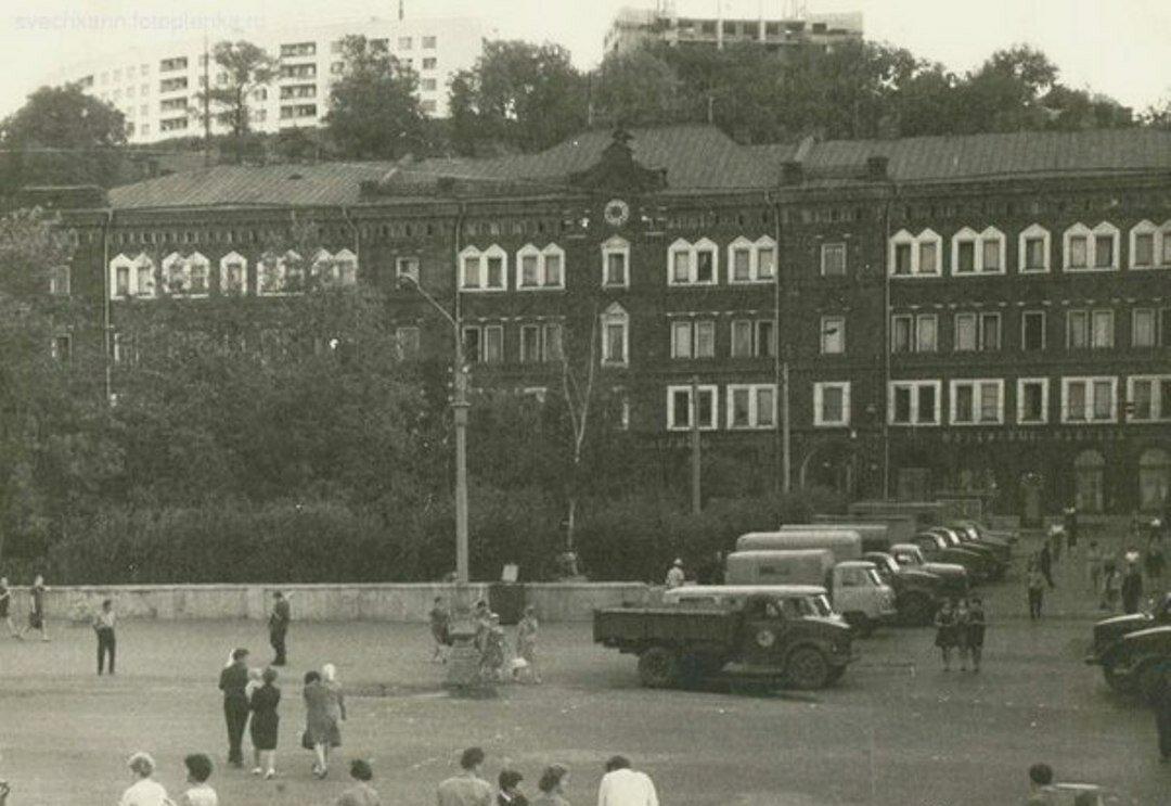 1968. Площадь перед Речным вокзалом