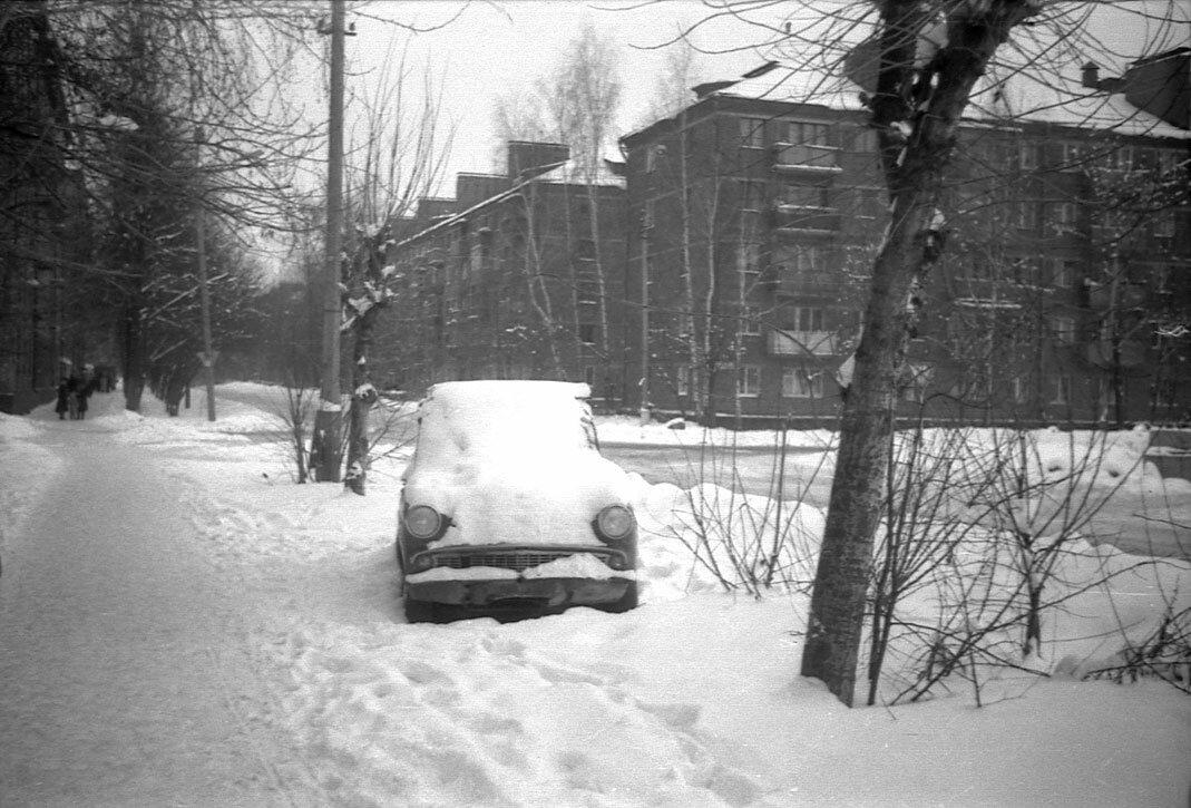 1988. Перекресток ул. Матросова и ул. Щербакова