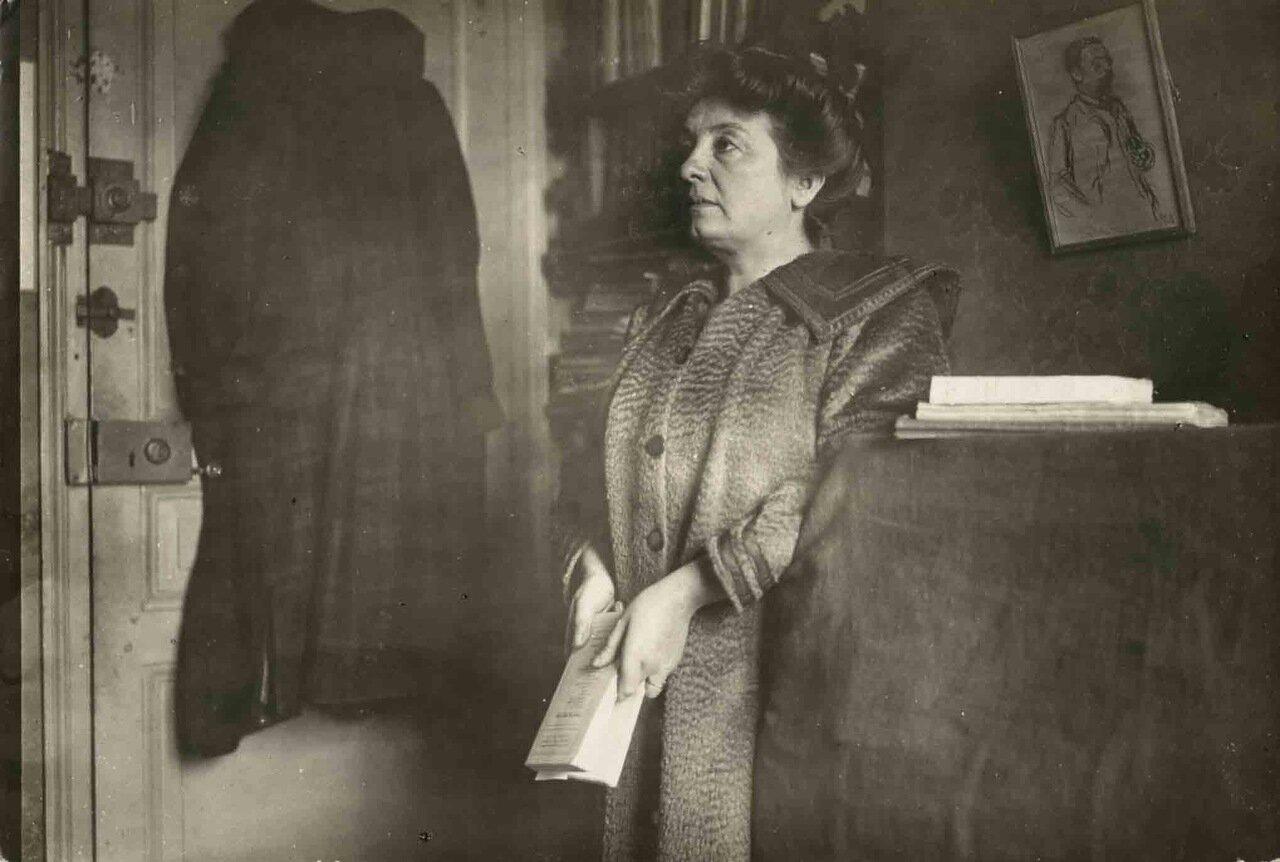 Маргарита Оду (7 июля 1863, Санкуэн, Шер — 31 января 1937, Сен-Рафаель, Вар), французская писательница