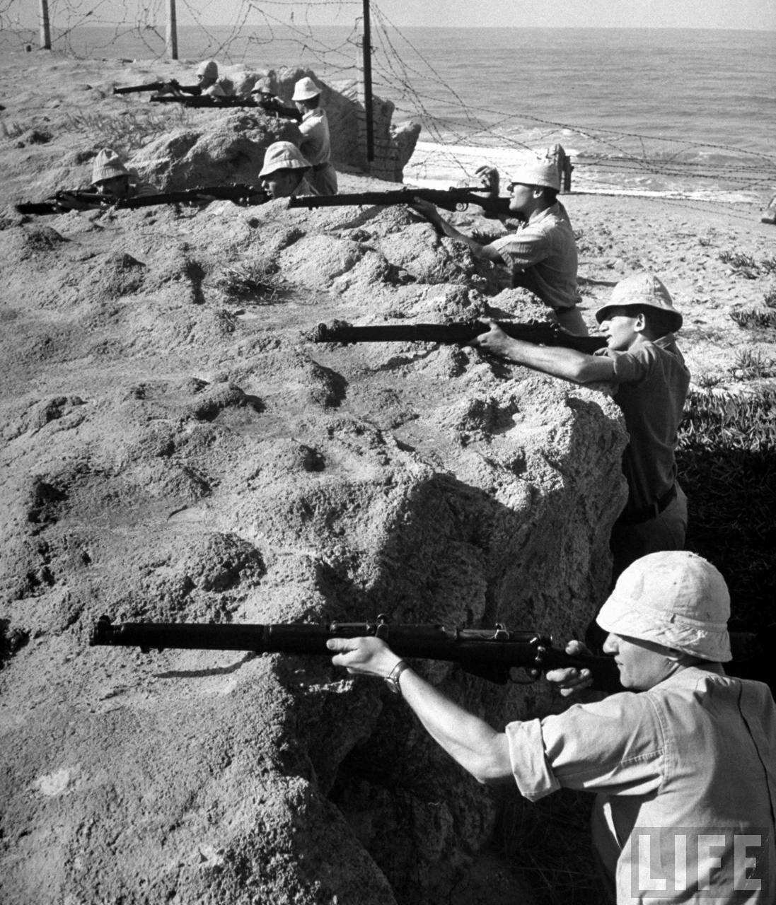 1948. Члены «Хаганы» на позиции