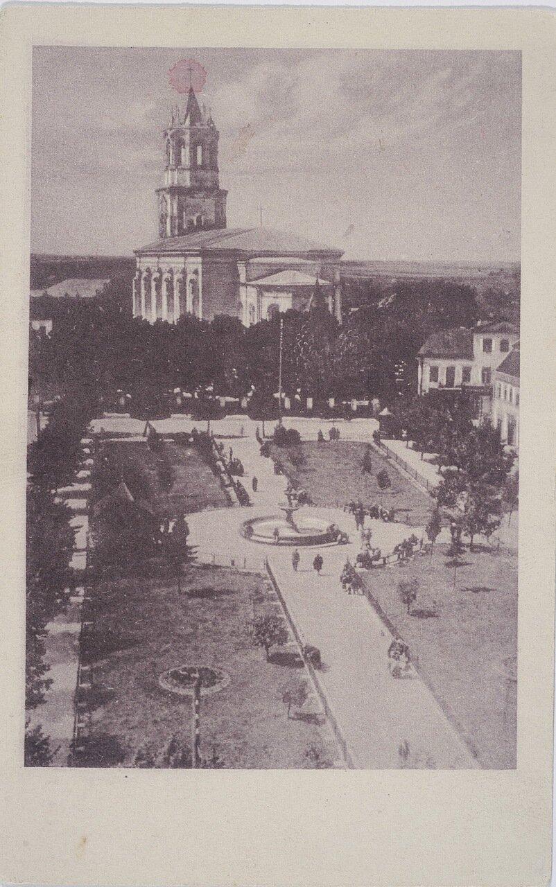Площадь Батория и гарнизонная церковь