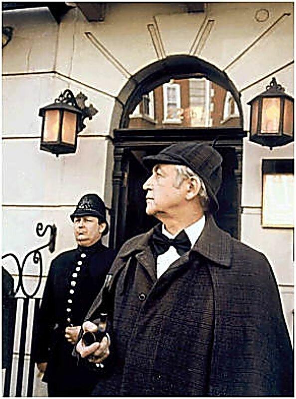 Vasili Livanov as Sherlock Holmes!Это фотография визита Василия Ливанова в музей Шерлок Холмса,в 1990 году.