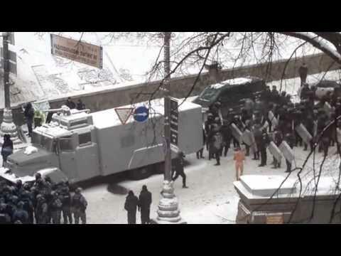У мережі з'явилося нове відео знущань над голим козаком-активістом (видео)