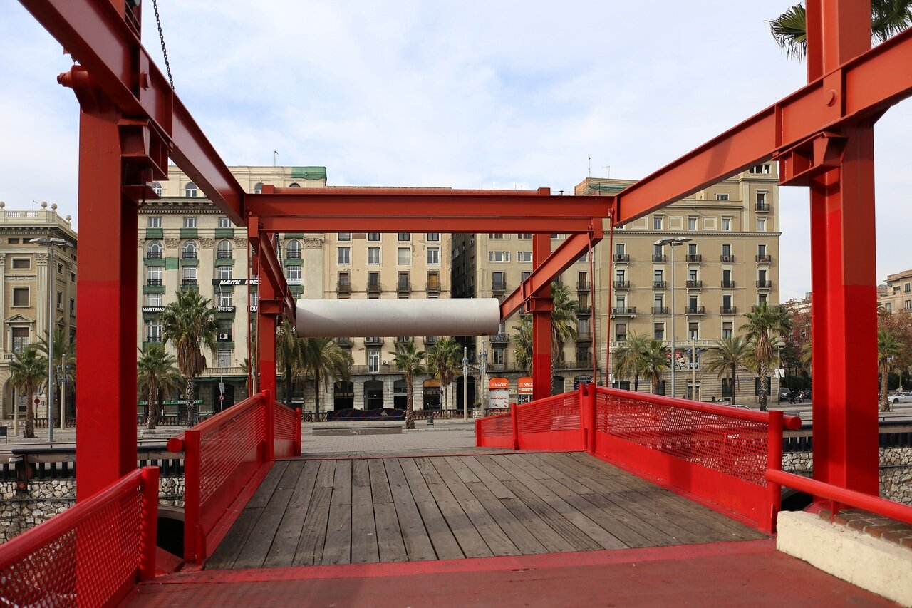 Barcelona. Moll de la Fusta promenade