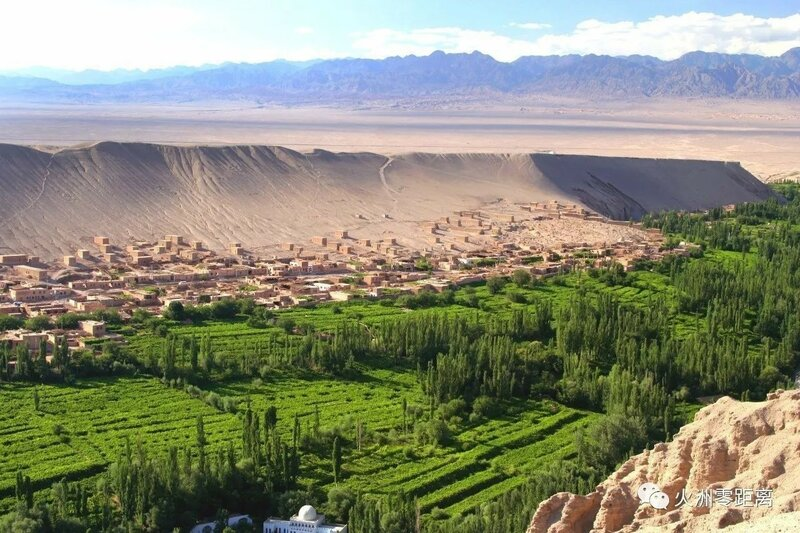0 20e661 304c532f XL Турфанская долина виноградников в китайском оазисе посреди пустыни