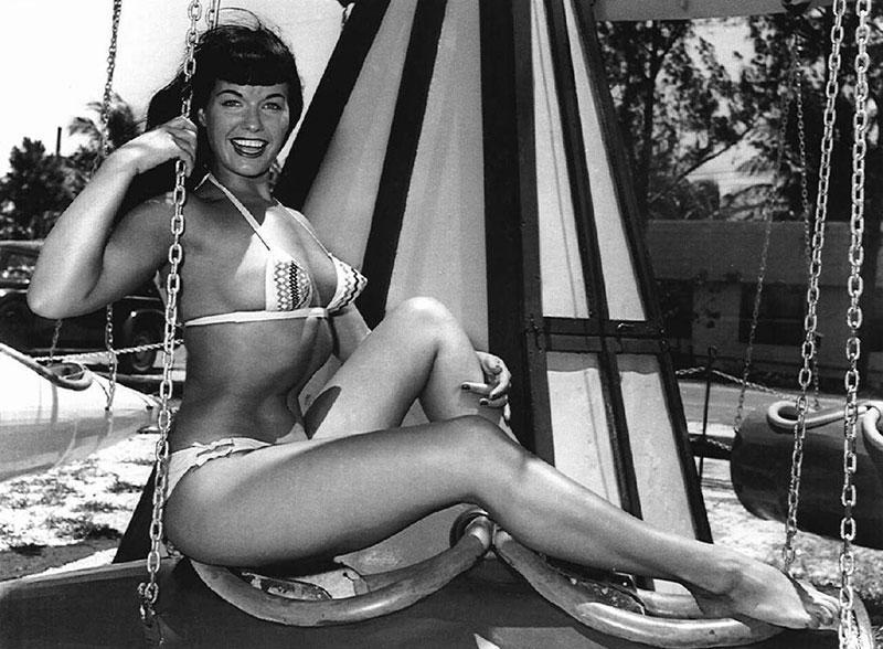 В 1959 году Бетти навсегда ушла из шоу-бизнеса, но ее яркая маска, конечно же, просто не могла не пе