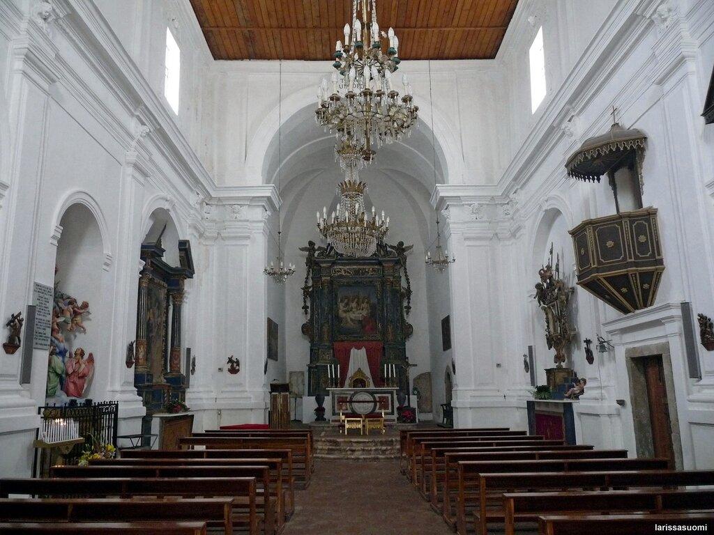 Forsa d'Agro. Церковь Св. Троицы, 15 в., интерьер.
