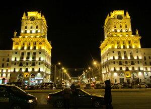 Башни-близнецы на вокзальной площади Минска