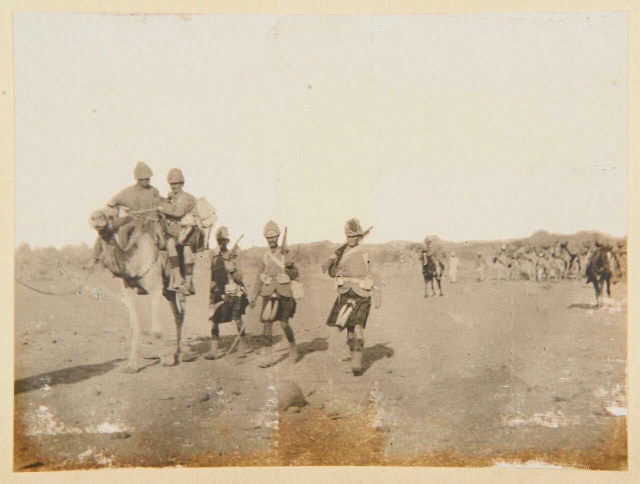 Август 1898. Собственный королевский Камерон-хайлендерский полк  покидает Вад Хамид