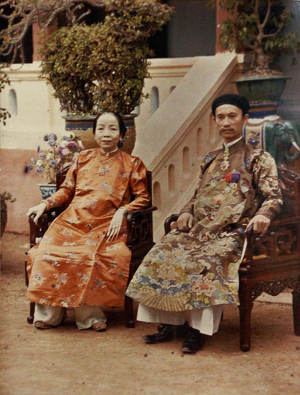 Тонкин. Глава провинции Ха Донг и его супруга. 1915