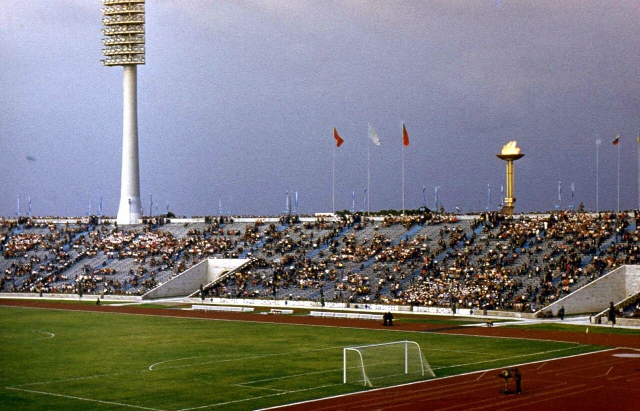 1980. Трибуны на стадионе им. С.М. Кирова