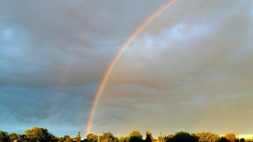 Холодное начало недели, дожди и появившаяся над Бельцами радуга