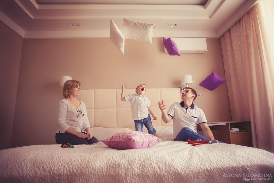 Фотосессия на кровати