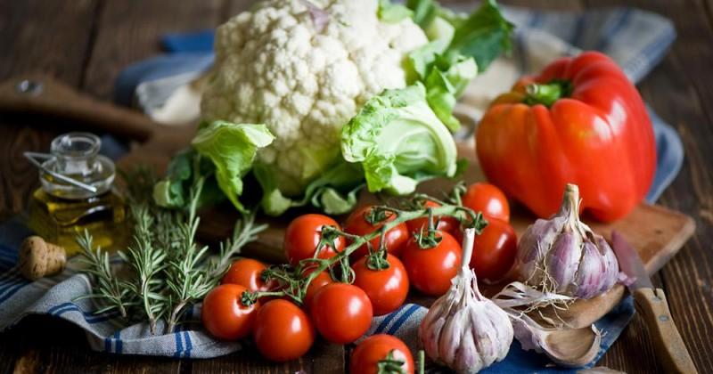 37. Храните свежие овощи дольше Полезные свежие овощи, к сожалению, хранятся не так долго. Чтобы про