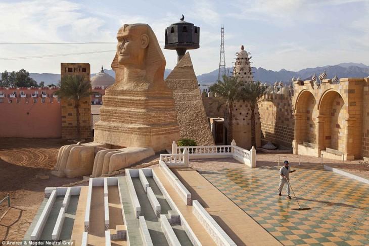 ШАРМ-ЭШ-ШЕЙХ и другие курорты Египта превращаются в города-призраки (18 фотографий) (18 фото)