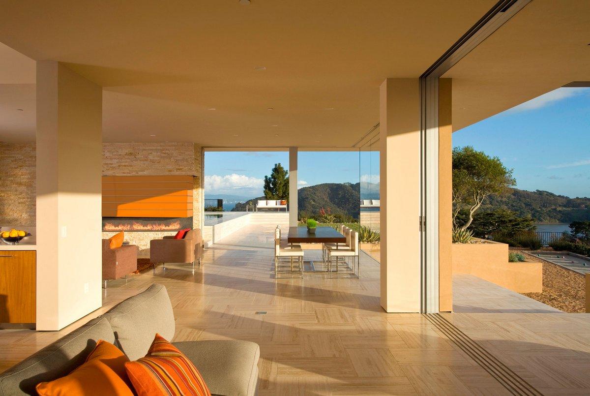 Swatt Miers Architects, Garay Residence, особняк в Калифорнии, дома в Калифорнии, суккулента в интерьере, травертин в отделке интерьера, белый известняк