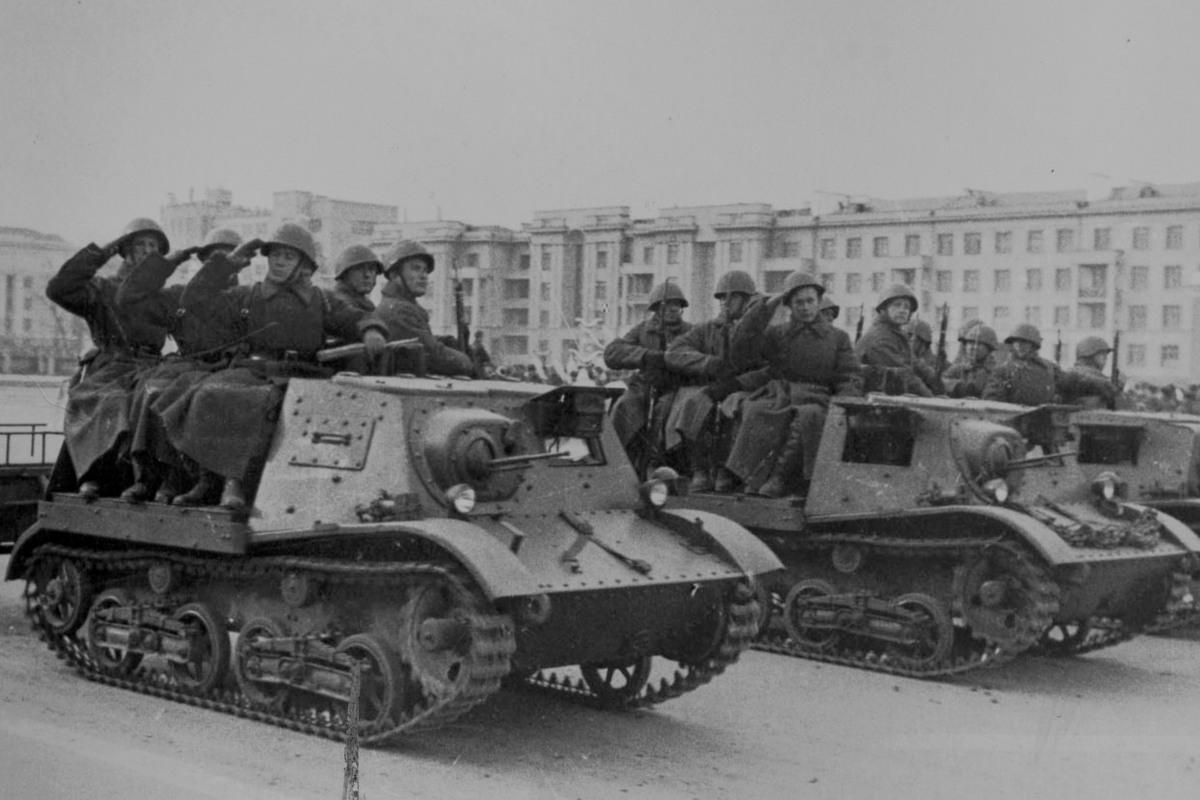 к параду года рисунки 1941