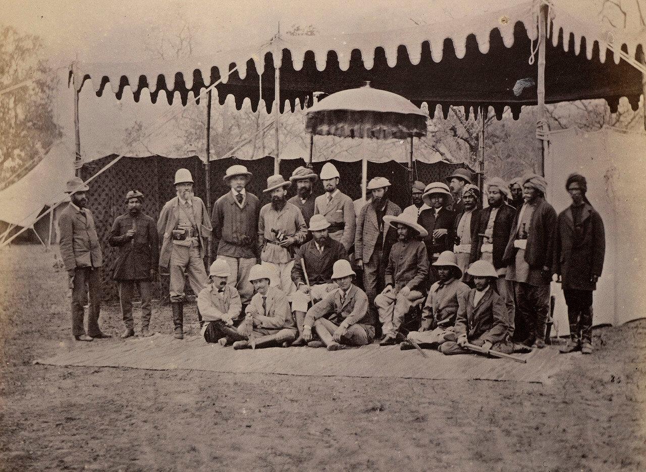 121. Принц Уэльский с махараджей сэром Юнгом Бахадуром Рана и их свитами