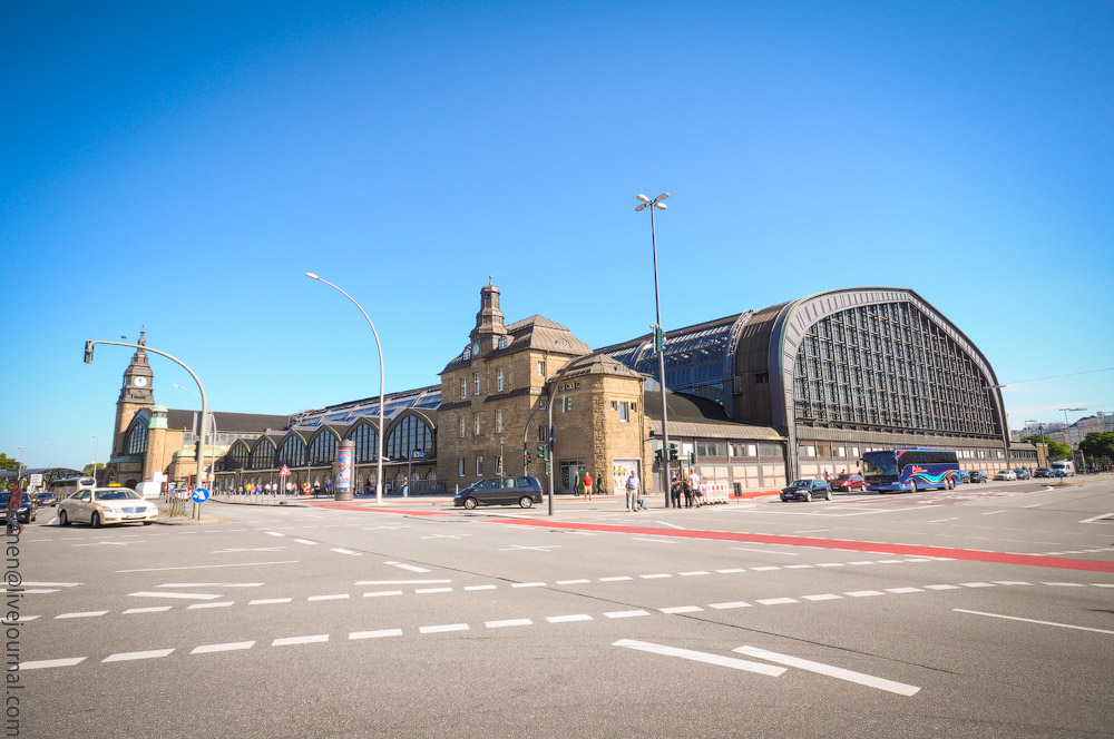Hauptbahnhof-(4).jpg