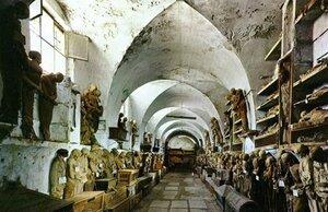 Катакомбы капуцинов в Италии