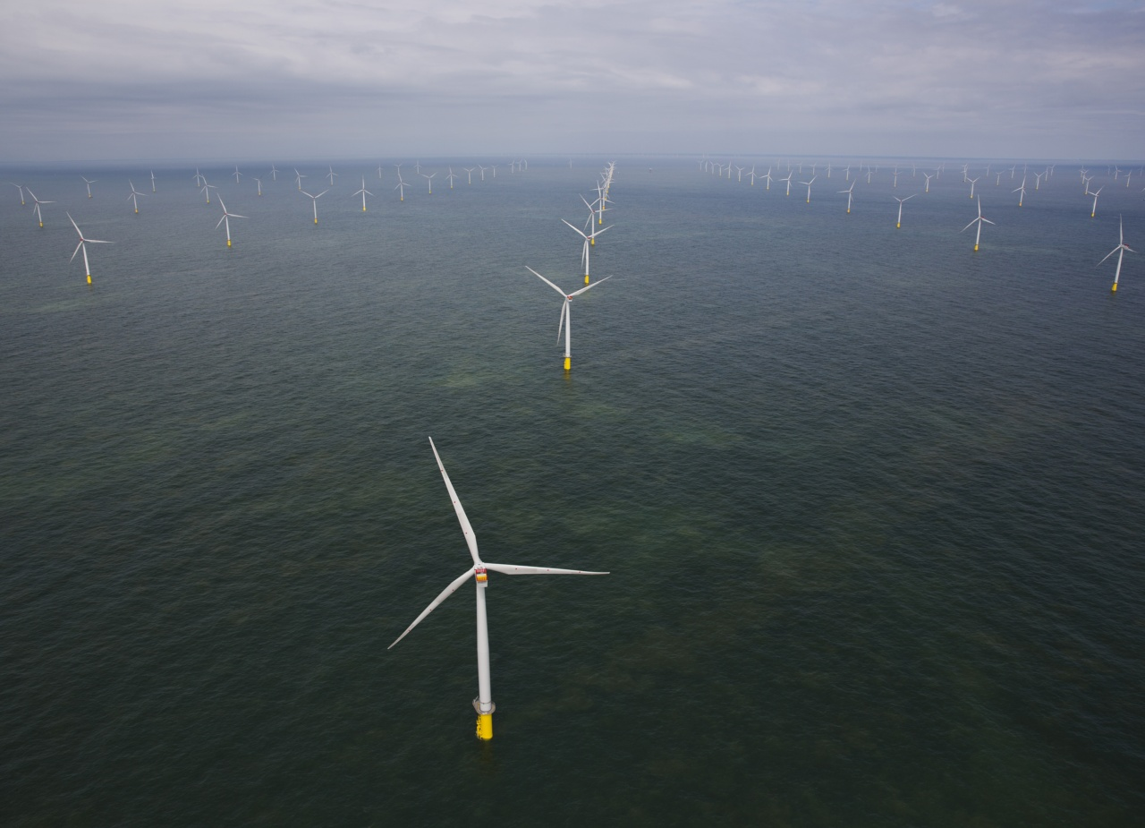 "London Array - das weltgrößte Offshore-Windkraftwerk / London Array- the world""s largest offshore wind farm"