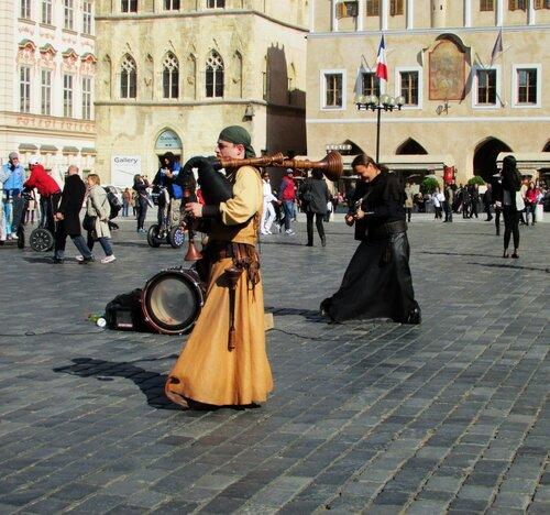 Музыканты на площади в Праге.