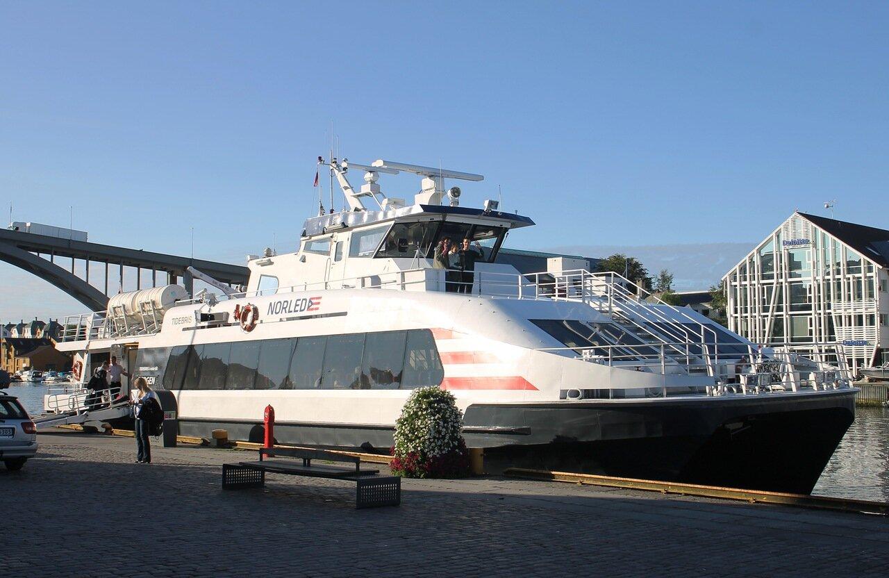 Хаугесунд. Катамаран Tidebris catamaran. Haugesund