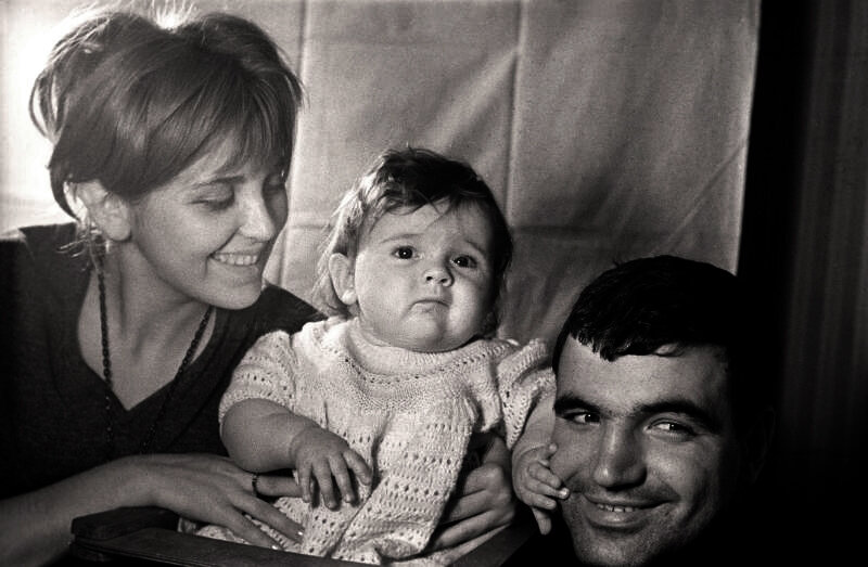 Родители, фото на память 0_83dfa_9ece0d64_XL