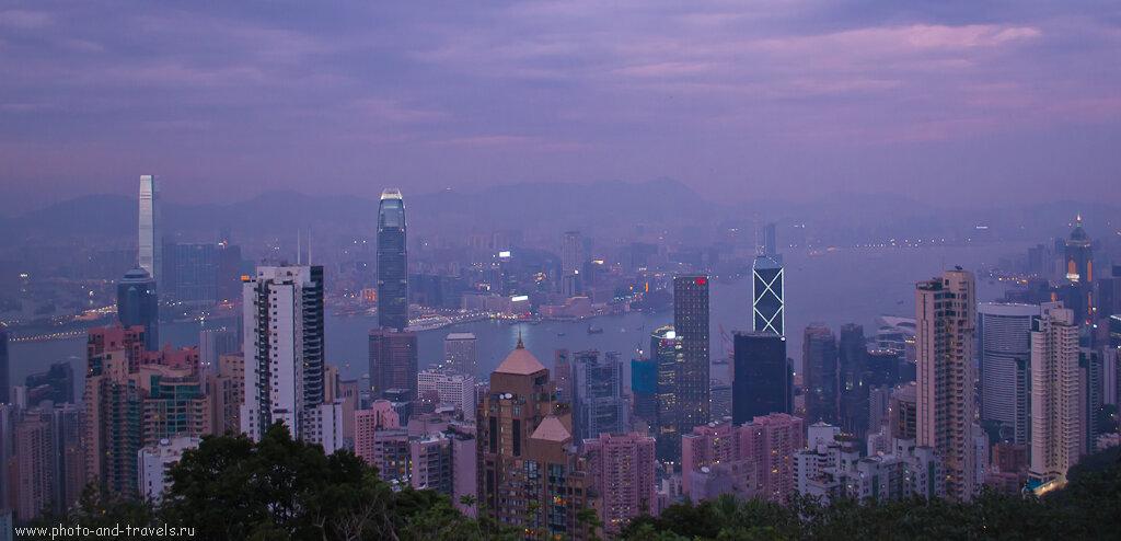 Вид на Гонконг снят на закате со штатива