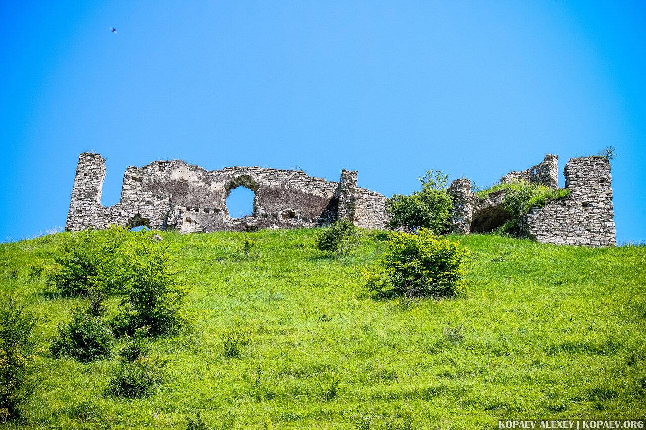 Чернокозинецкий замок в селе Чернокозинцы Каменец-Подольского района Хмельницкой области