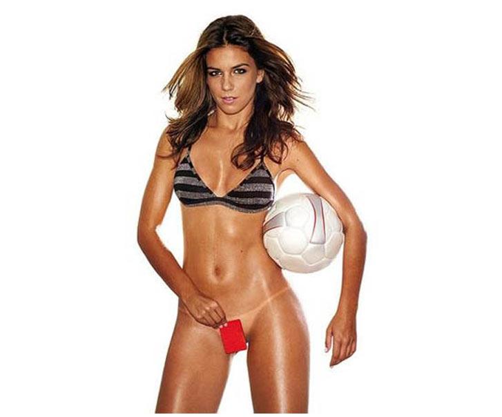 Самые сексуальные футболистки планеты - Лайза Андриоли