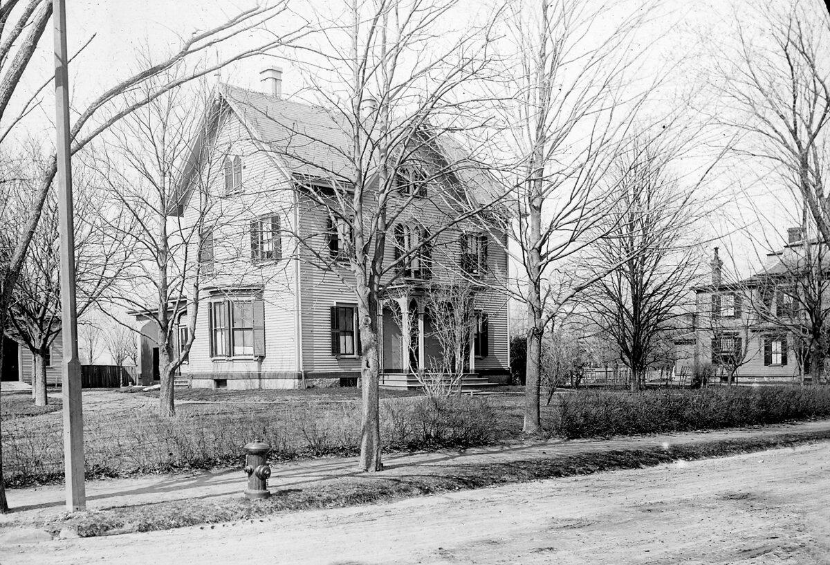 1885. Бейкон и Винчестер-стрит, Северная сторона