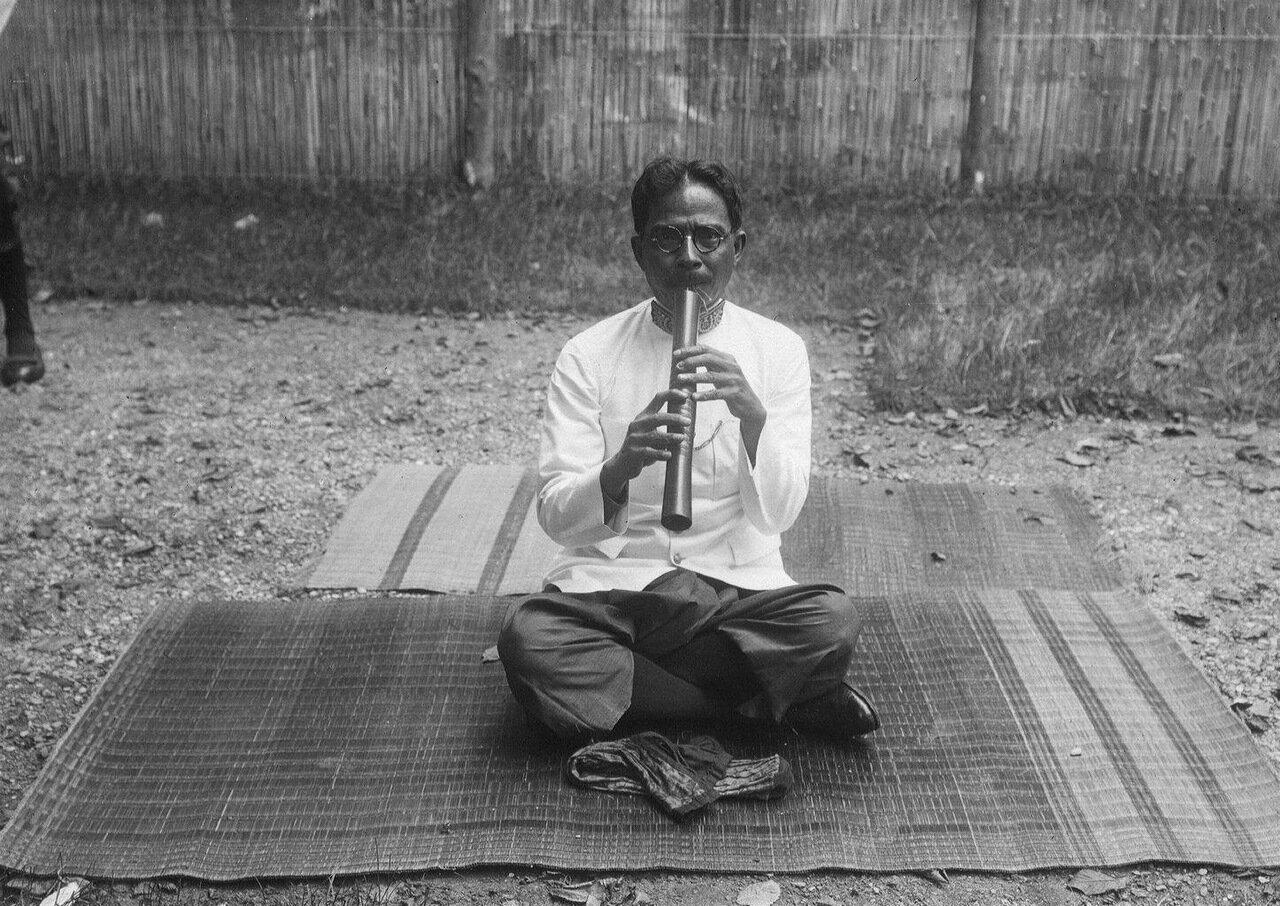 Камбоджа. Флейта сро лай