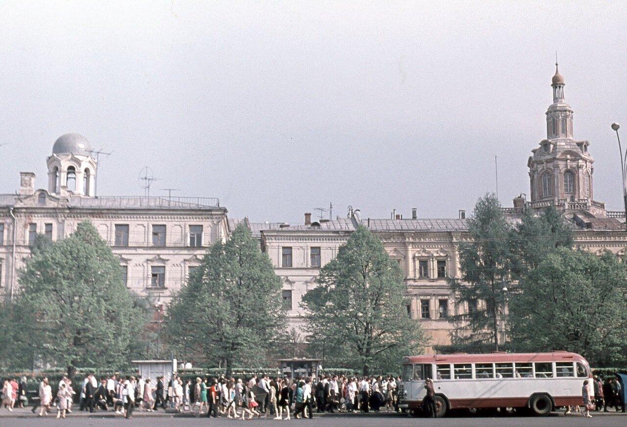 Спасский собор Заиконоспасского монастыря. Вид с пл. Революции.