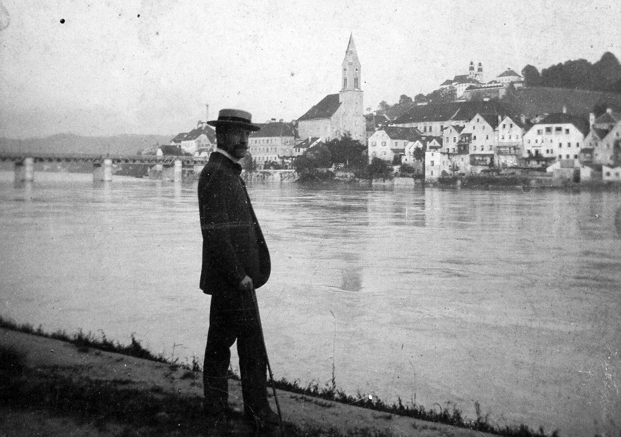 1921.  Пассау. Вид на церковь с другого берега реки
