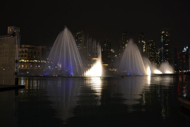 Поющий Дубайский фонтан...