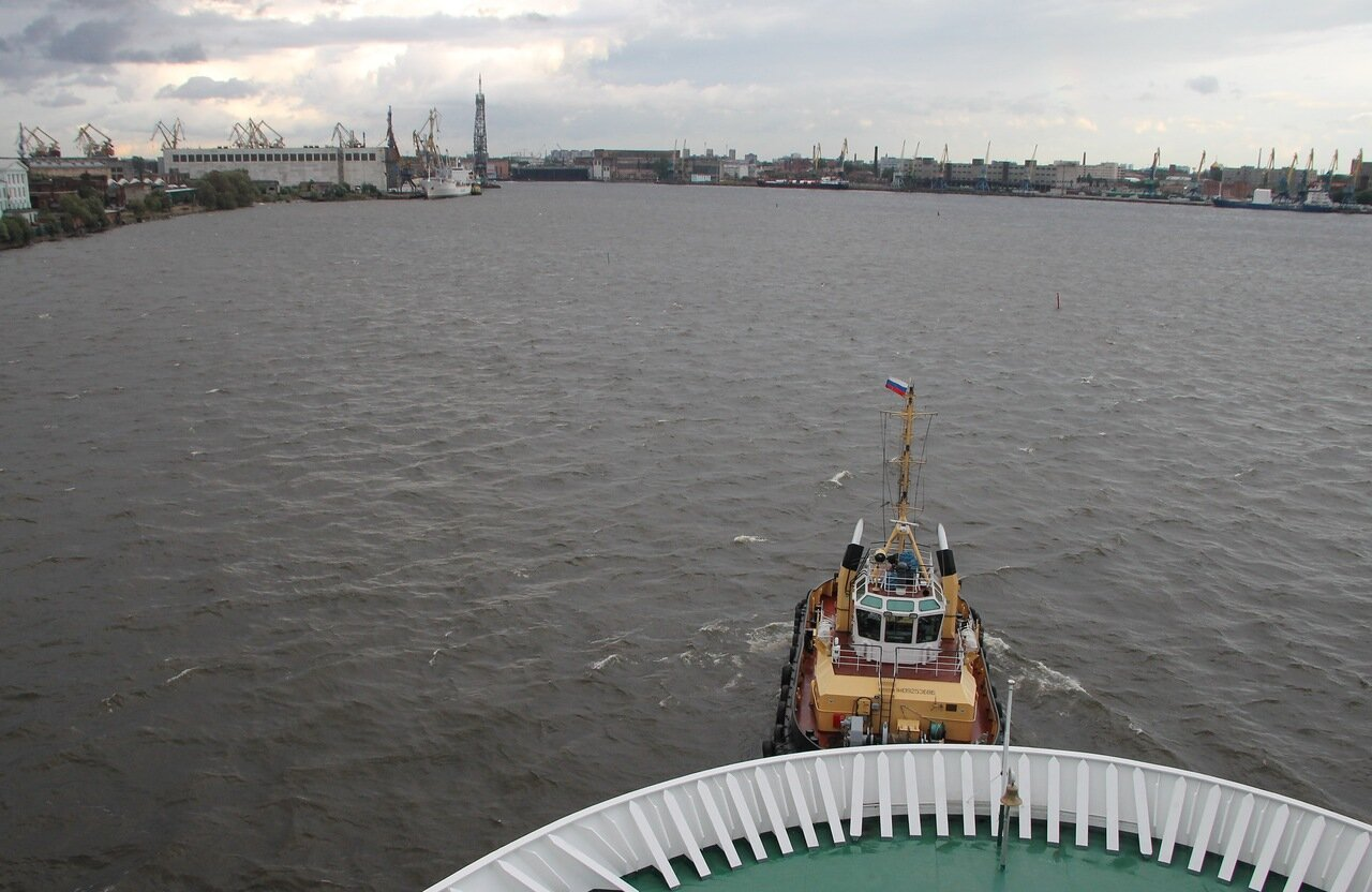 St. Petersburg, the Princess Maria ferry, the tug