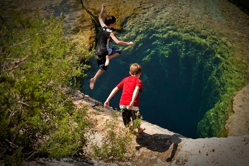 Подводная пещера Колодец Иакова