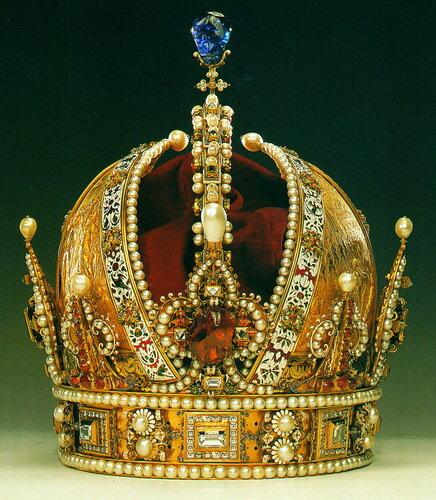 Корона Императора Рудольфа II Габсбурга; с 1804 года — корона Австрийской Империи