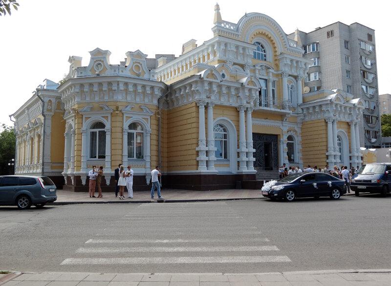 Черкассы. Часть 2: Крещатик, собор и вокзал.