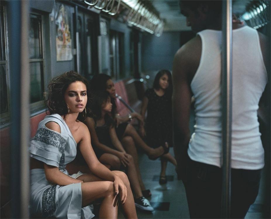 Сексуальная поездка в метро с Адрианой Лима / Adriana Lima by Vincent Peters in Numero Tokyo december 2013
