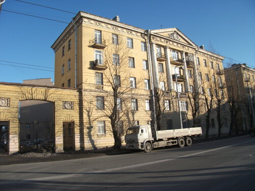 ул. Профессора Качалова 4
