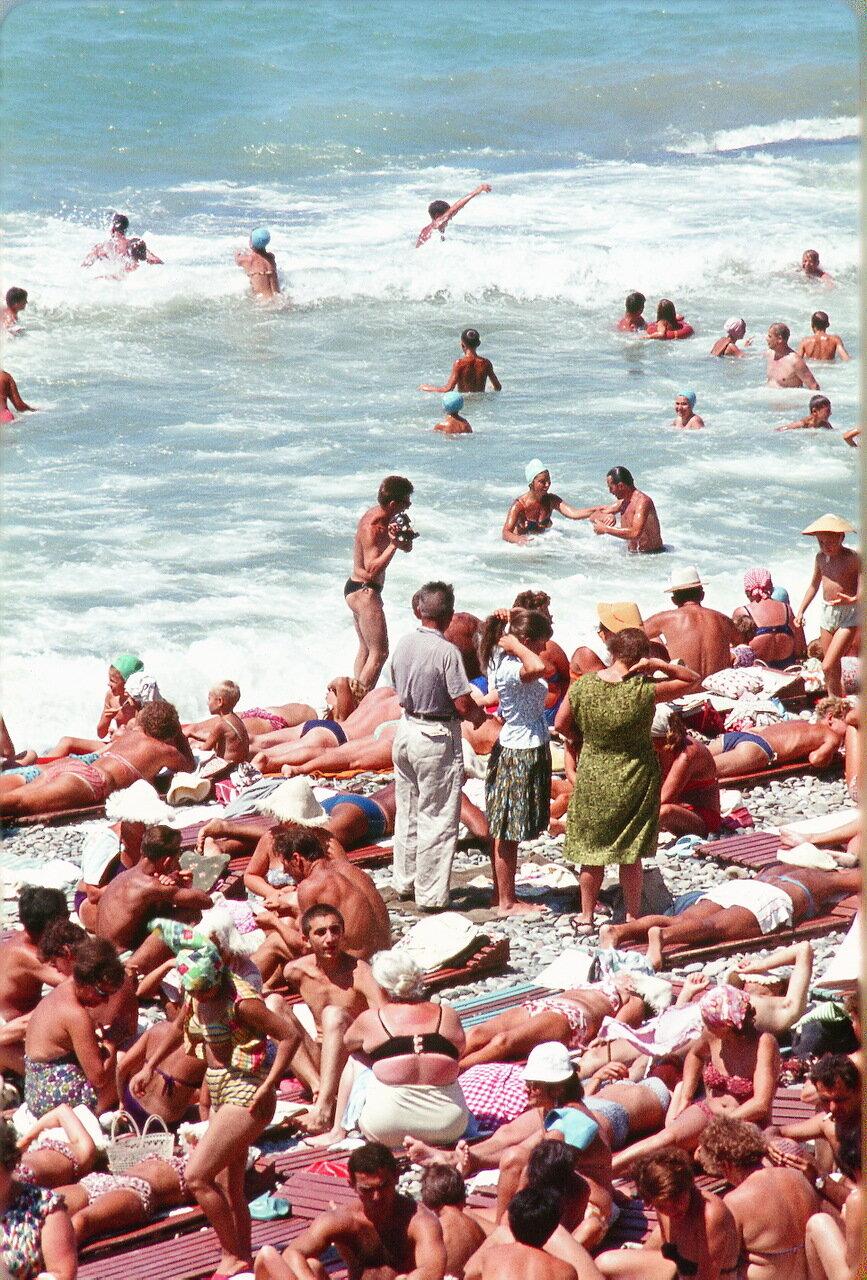 На пляже в Сочи